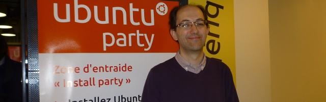 Photo de Benoît Sibaud, directeur de publication du site linuxfr.org, ancien président de l'April, fondateur de l'association auvergnate de promotion du logiciel libre Linux Arverne, à l'Ubuntu Party du mois de mai 2014
