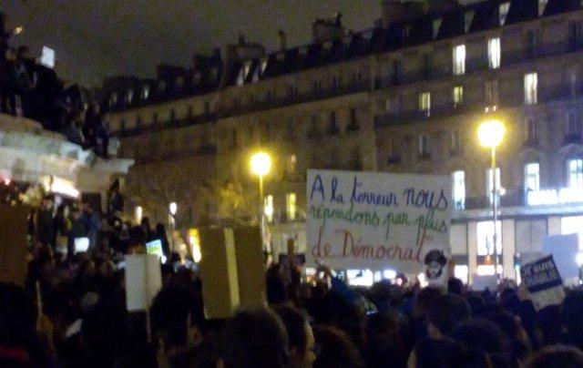 A la terreur, nous répondrons par plus de démocratie, Place de la République, 7 janvier 2015, Paris