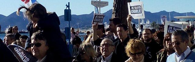 Drapeau français,  la mer, un enfant, 11 janvier 2015, manifestation à Cannes